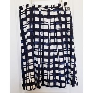 The Limited Navy and white plaid skirt size M EUC